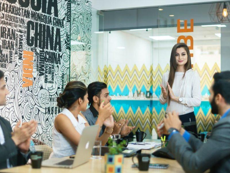 Ako byť pred kolegami za vnímavého a spoľahlivého